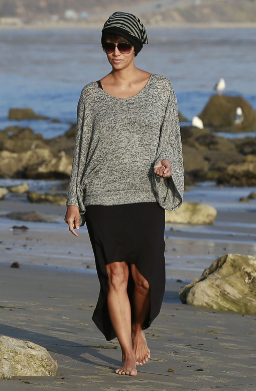 Halle Berry & Daughter Nahla Enjoying A Day On The Beach In Malibu