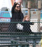 Jessica Alba & Family Enjoy A Day In Paris