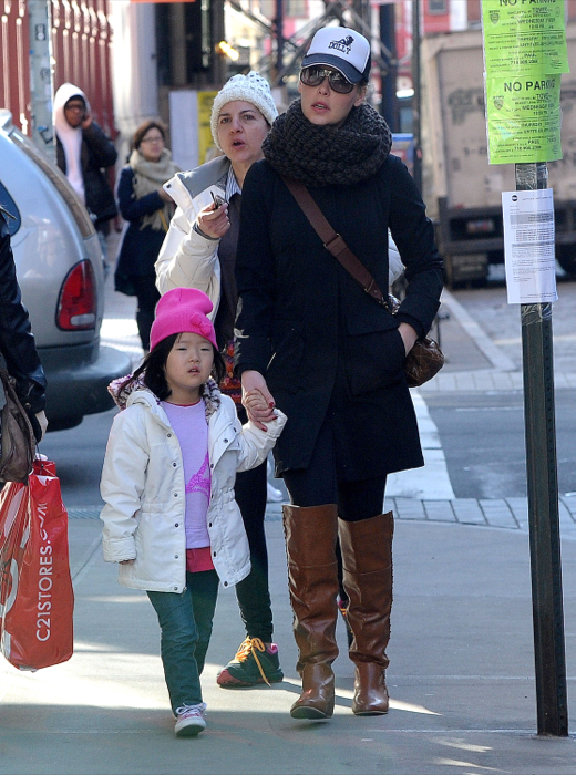 Katherine Heigl Takes Her Girls To A Play Date