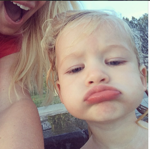 Jessica Simpson Shares Shot of Maxwell Via Instagram