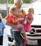 Tori Spelling Takes Her Kids To A Ballet Class