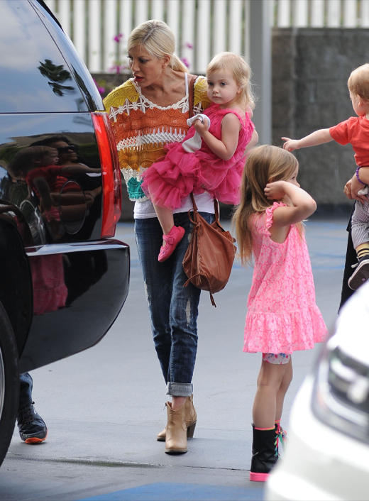 Tori spelling takes her kids to a ballet class celeb baby laundry