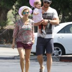 Chris Hemsworth & Elsa Pataky Spend the Day With India