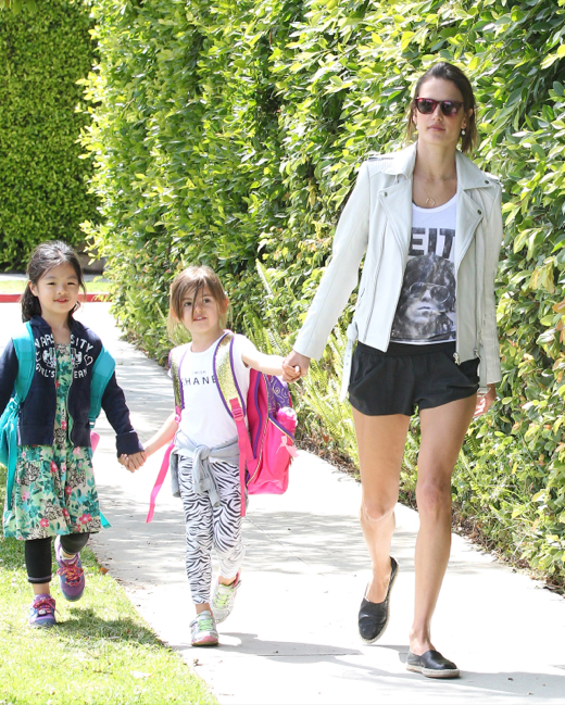 Alessandra Ambrosio & Anja: Smiley Mother-Daughter Duo