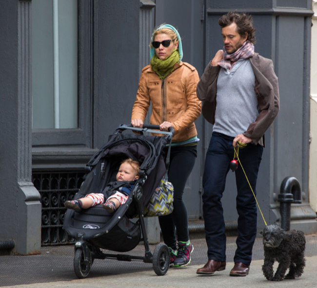 Claire Danes & Hugh Dancy Stroll With Cyrus