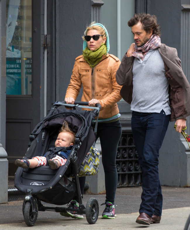 claire danes amp hugh dancy stroll with cyrus celeb baby