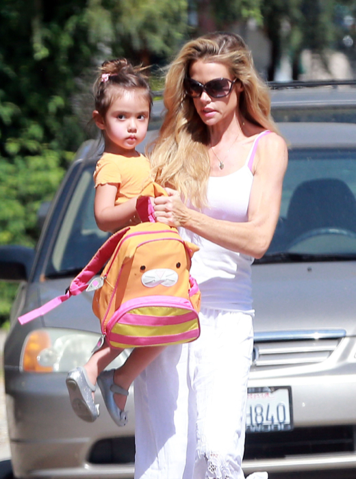 Denise Richards Running Errands With Her Daughter  Celeb Baby Laundry-6750