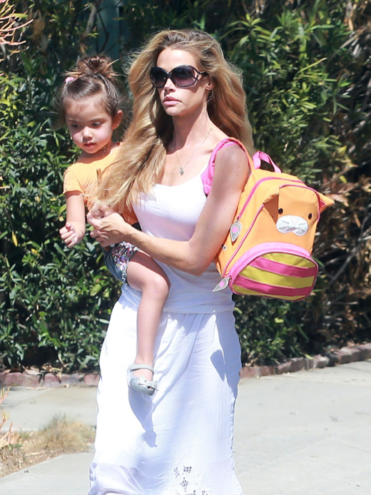 Denise Richards Runs Errands With Eloise