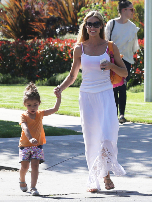 Denise Richards Running Errands With Her Daughter