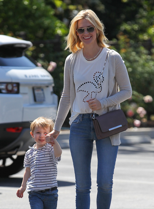 January Jones: Happy Monday With Xander