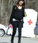 Exclusive... Pregnant Olivia Wilde Shops At A Farm Stand