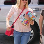 Reese Witherspoon Lunches With Family