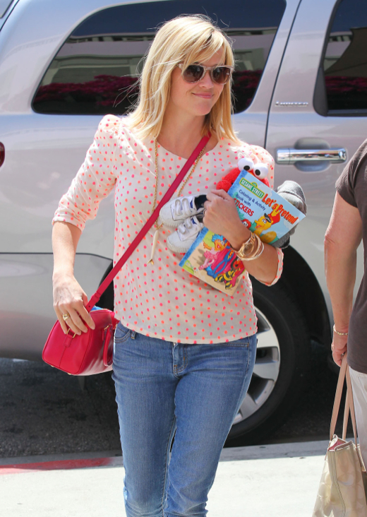 Reese Witherspoon & Family Out For Lunch In Santa Monica