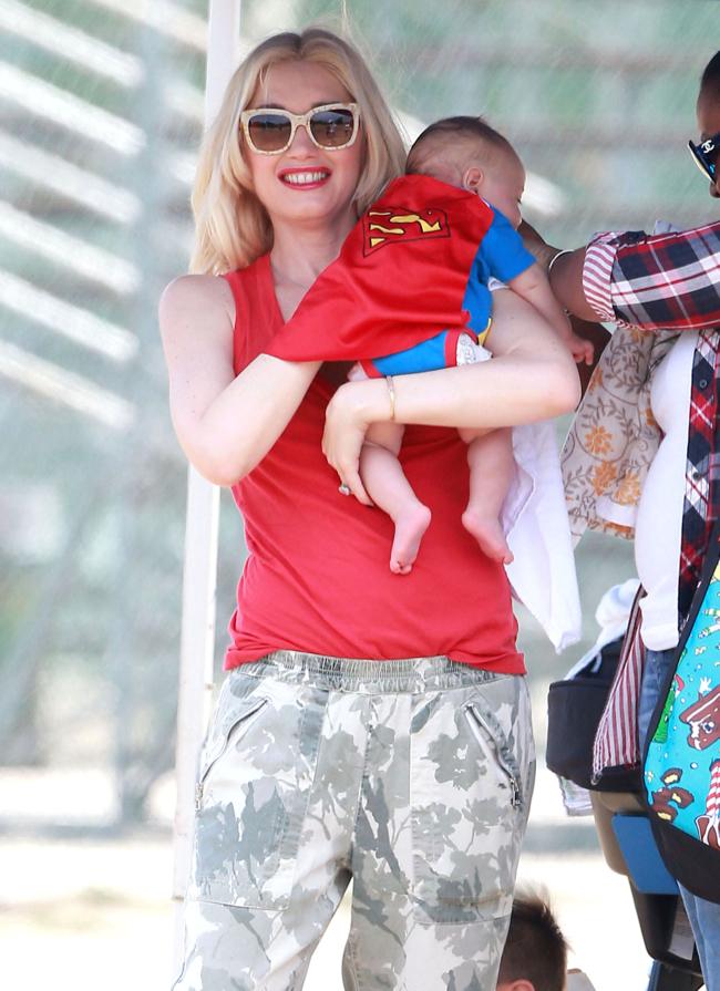 Gwen Stefani & Family Watching Zuma Play Football