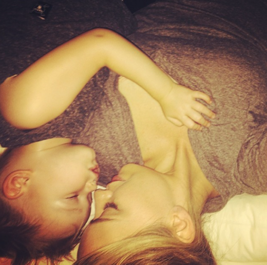 """Hilary Duff Shares a Sweet Shot of her """"Everything"""""""