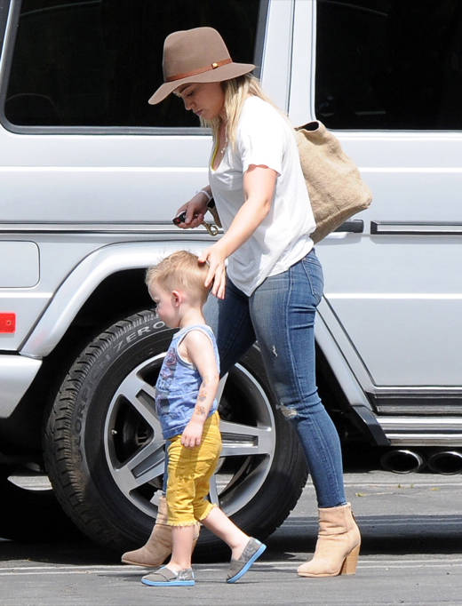 HIlary Duff Runs Errands With Luca In Studio City
