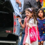 Katie Holmes: Candy Day in the City With Suri & Friends