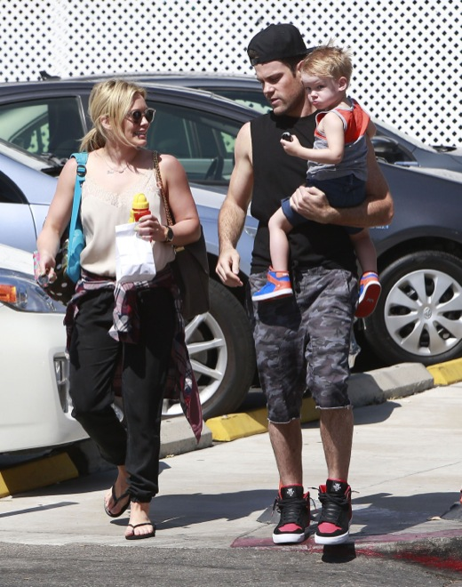 Hilary Duff & Mike Comrie: Happy Family Day With Luca