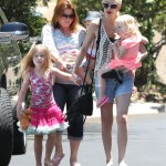 Tori Spelling Spends Sunday With her Kids