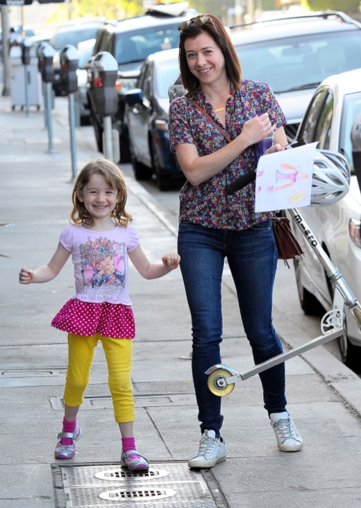 Alyson Hannigan & Daughter Out For Lunch In Brentwood