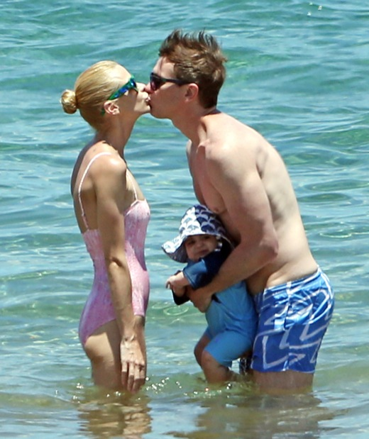 Jaime King & Kyle Newman Share A Smooch In Maui