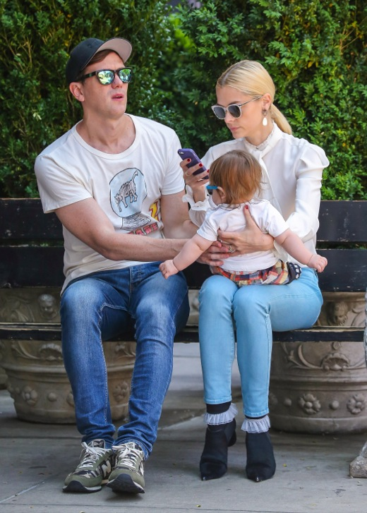 Jaime King & Kyle Newman: Big Apple Doting