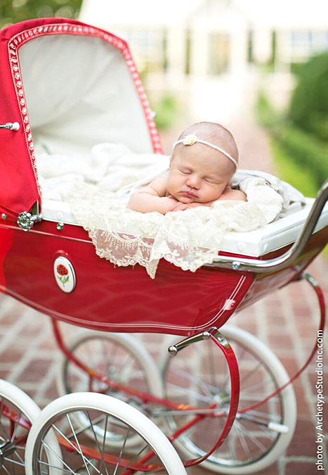Kelly Clarkson Debuts Daughter River Rose