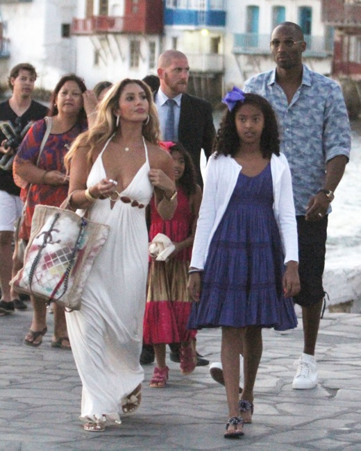 Kobe Bryant & Family Vacation in Mykonos