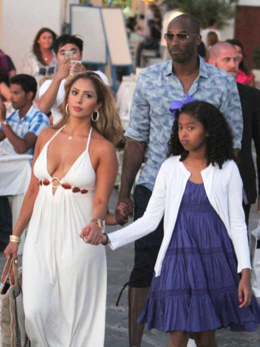 Kobe Bryant Vacations In Greece With His Family Celeb