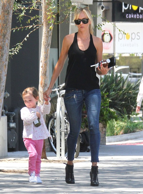 Kimberly Stewart Takes Her Daughter Delilah Out For Juice