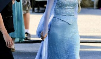 First Look at 'Frozen' Queen Elsa On 'Once Upon a Time'
