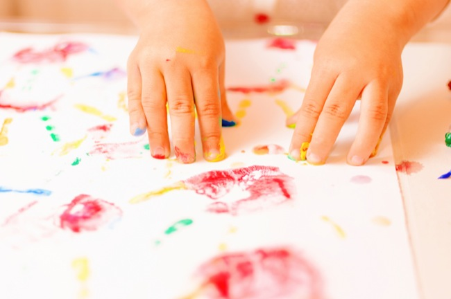 4 Easy to Make Crafts That Keep Toddlers Occupied