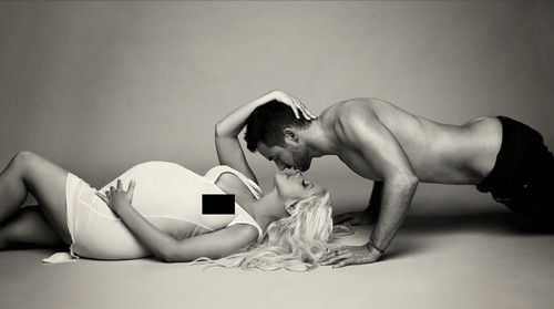Pregnant Christina Aguilera Shows Off Her Nude Baby Bump in V Magazine Artistic Photoshoot