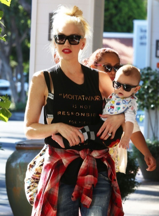 Gwen Stefani Stops By The Beverly Glen Market Place