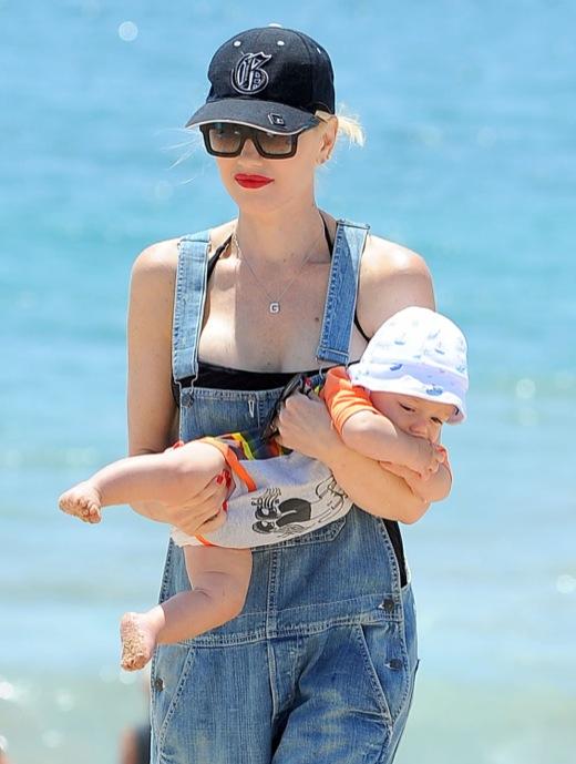 Gwen Stefani Enjoys a ... Gwen Stefani Pregnant