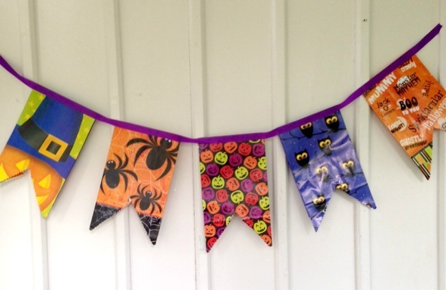 Easy Halloween Craft: Spooky Goodie Bag Bunting Banner