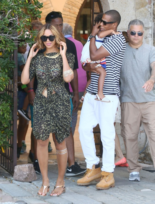 Exclusive... Beyonce, Jay-Z & Blue Ivy Visit The Picasso Museum