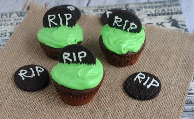 Festive Halloween 'RIP' Cupcakes Recipe