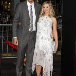 Pregnant Kristen Bell Glows at Red Carpet Premiere