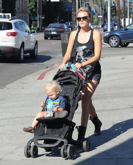 Malin Akerman Takes a Stroll With Sebastian