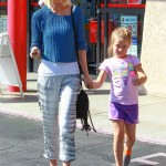 Tori Spelling Takes Stella Shopping