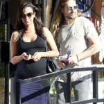 Zoe Saldana Does Some Baby Shopping at Bel Bambini