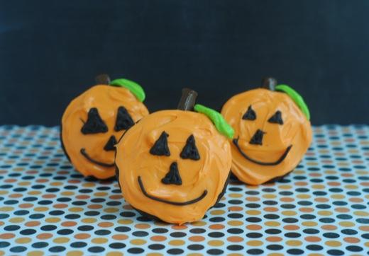 Halloween Jack-O-Lantern Pumpkin Cupcakes