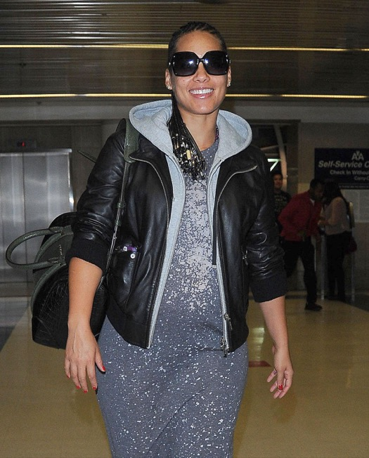 Pregnant Alicia Keys Lands At LAX Airport