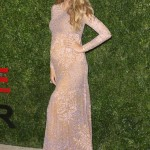 Pregnant Blake Lively Glows on Red Carpet