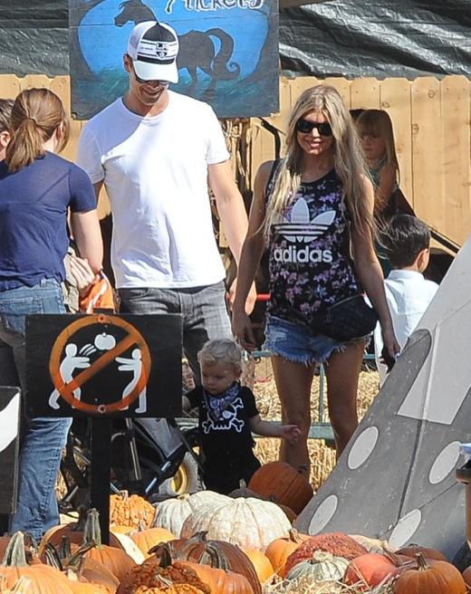 Fergie & Josh Duhamel Take Axl To Mr. Bones Pumpkin Patch