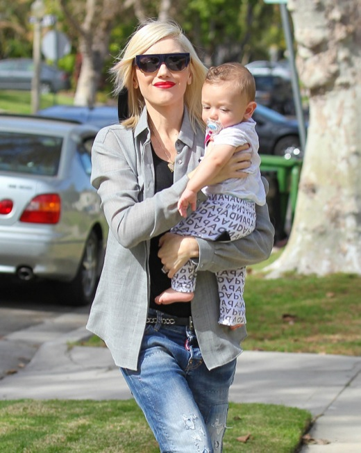 Birthday Girl Gwen Stefani Stops To Visit Her Mom