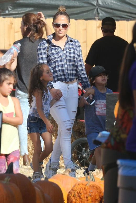 Jennifer Lopez & Family Shop For Pumpkins At Mr. Bones Pumpkin Patch