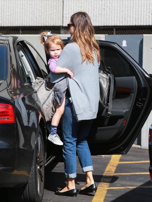 Jessica Alba Runs Errands With Haven