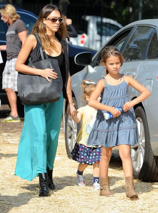 Jessica Alba Takes Her Girls To Mr. Bones Pumpkin Patch
